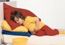 trẻ bị ngộ độc thức ăn