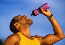 Uống nước tăng lực đúng cách