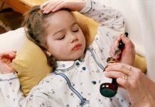Trẻ bị sốt co giật