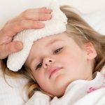 Trẻ sốt cao co giật mẹ cần xử trí thế nào?