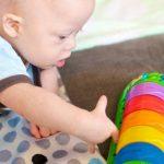 Dấu hiệu nhận biết sớm tình trạng thiểu năng trí tuệ ở trẻ