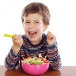Mách mẹ trẻ bị sốt nên ăn gì là phù hợp?