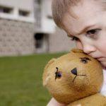 Biểu hiện của bệnh tự kỷ ở trẻ em