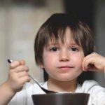 Gặp dị ứng thức ăn ở trẻ em, mẹ nên xử trí thế nào?